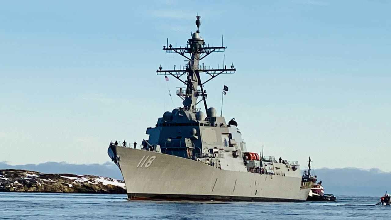 USS Daniel Inouye (DDG 118) returning to port